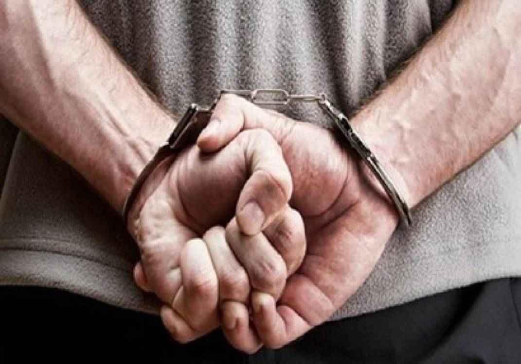 القبض على عاطل بحوزته مواد مخدرة و أسلحة فى الشروق