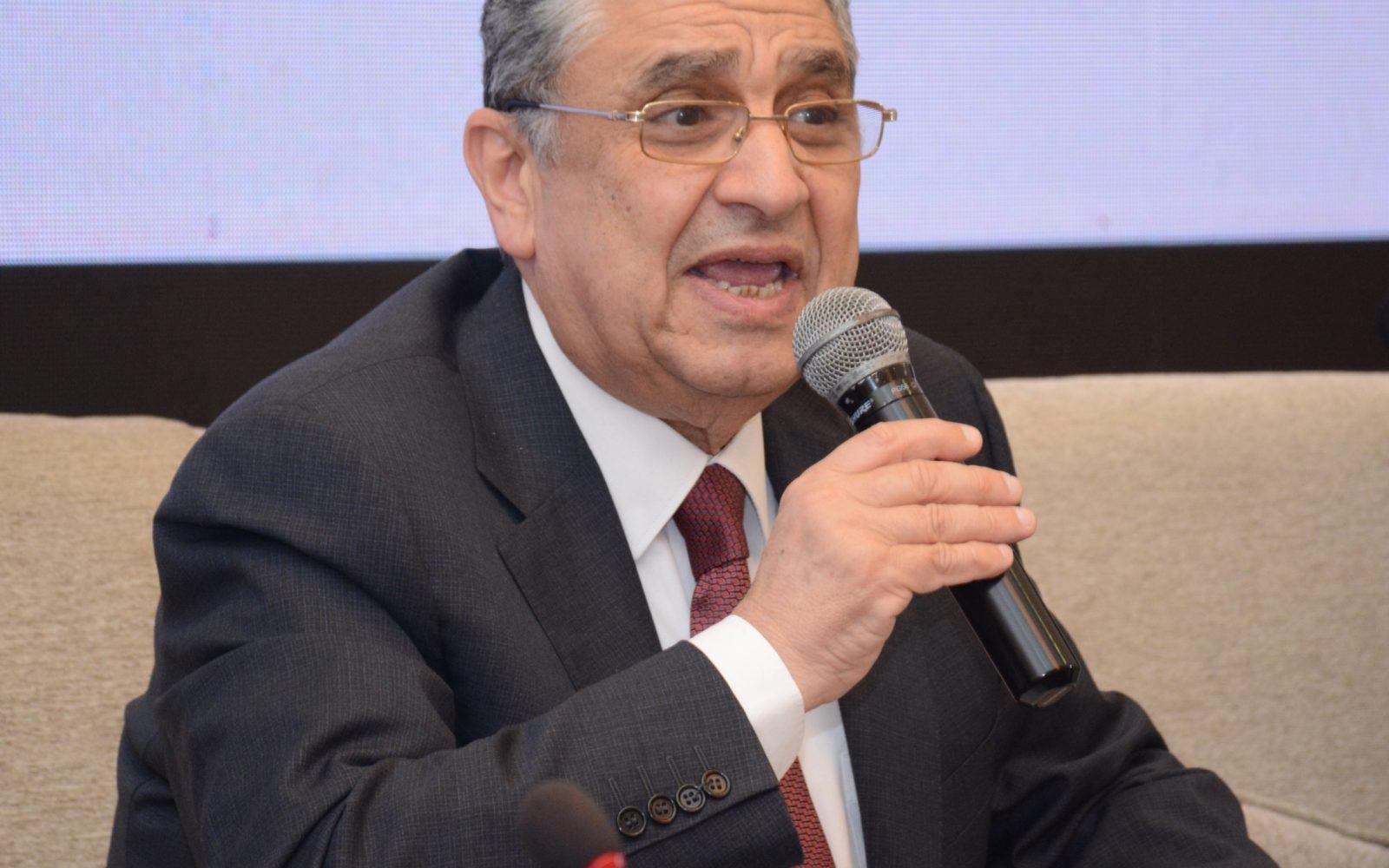 وزير الكهرباء  التقديم لتركيب العدادات الكودية الشهر المقبل