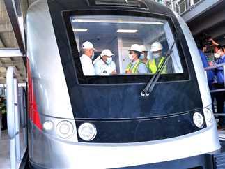 هام التشغيل التجريبي للقطار الكهربائي أكتوبر المقبل بطاقة 300 راكب للعربة