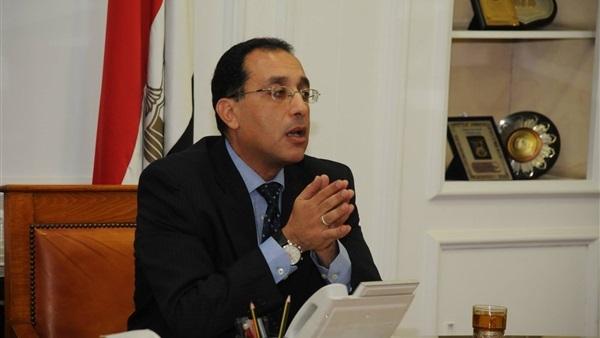 وزير الإسكان يكلف بسرعة حل أزمة المواصلات في المدن الجديدة