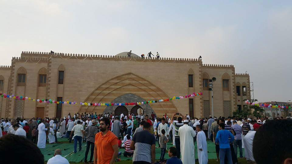 بالصور.. أهل الشروق خلال تأدية  صلاة_العيد بالمسجد الجامع