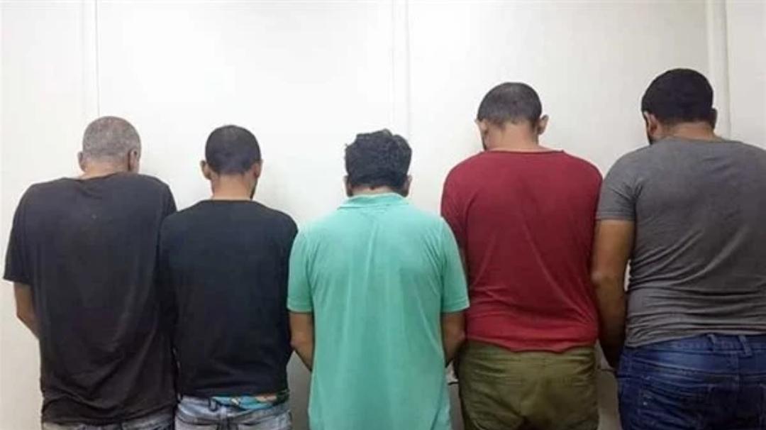 مباحث الشروق تضبط عصابة مسلحة سرقوا أموال من مواطن بالإكراه