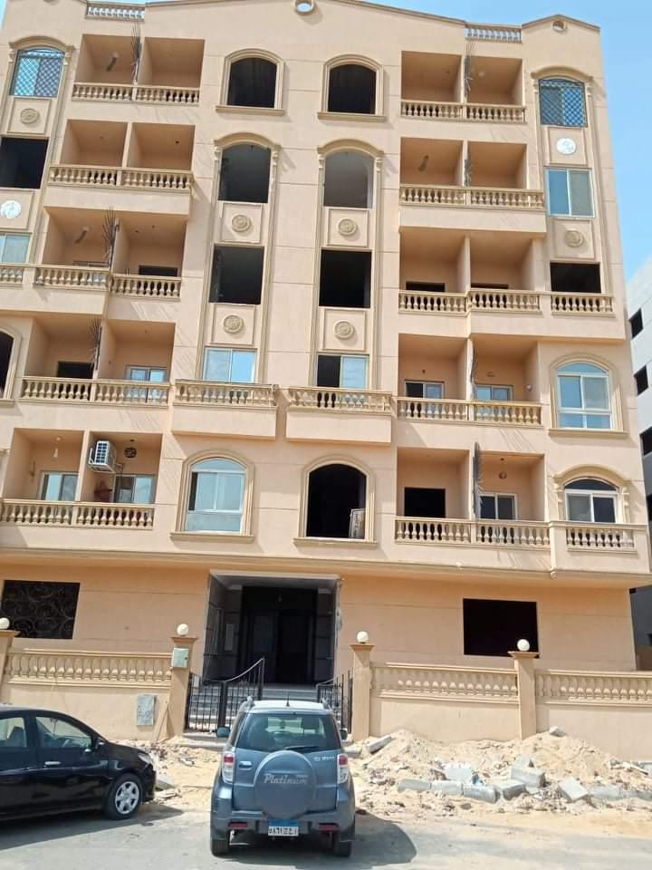 شقة للبيع ١٣٥ متر بجنينه ٨٠ متر بالمستثمر الصغير